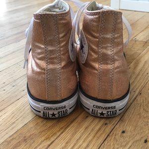 Converse Zapatos Chuck Oro Chuck Zapatos Taylor High Tops Poshmark 60e8d2